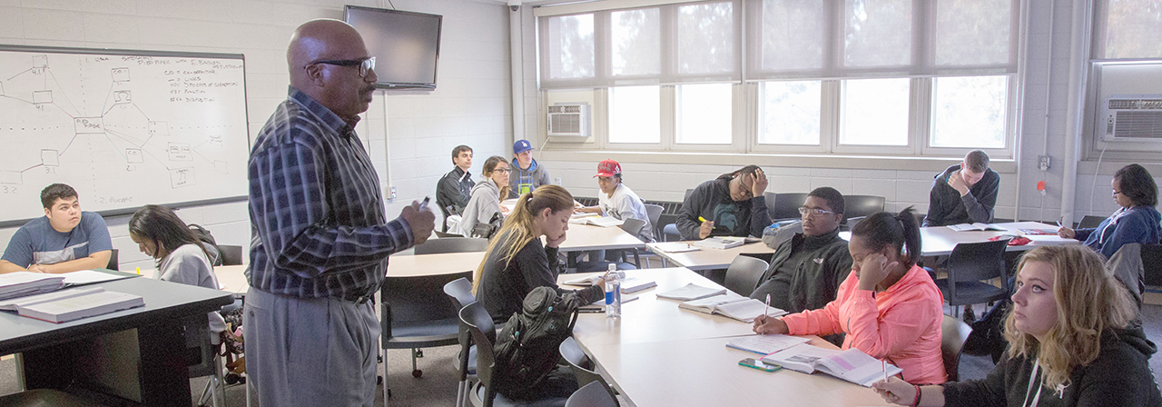 Undergraduate students in class at Detroit Mercy